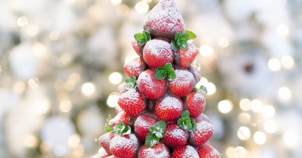 Chocolate Covered Strawberry Christmas Tree