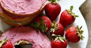 Vegan 5 Ingredient Strawberry Cream Cheese