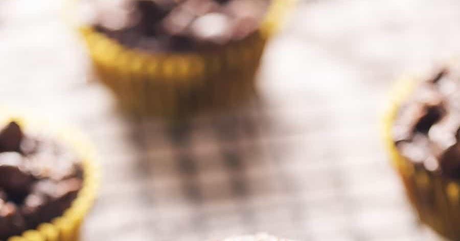 Low Carb Chocolate Zucchini Muffins
