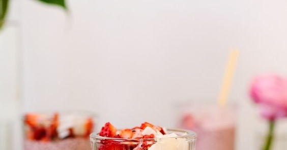 STRAWBERRY CHIA PUDDING FOR YOUR VALENTINE