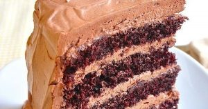 CHOCOLATE CAKE WITH ITALIAN CHOCOLATE BUTTERCREAM FROSTING