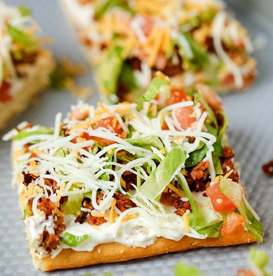 Easy Family Dinner Taco Pizza