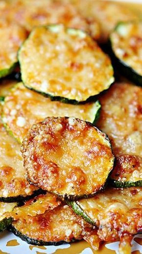 The Baked Parmesan Zucchini Rounds combine tastiness and wholesomeness, which makes them really appealing! And once you get to know the recipe is way too easy you will want to make them immediately!